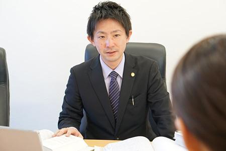 弁護士本村